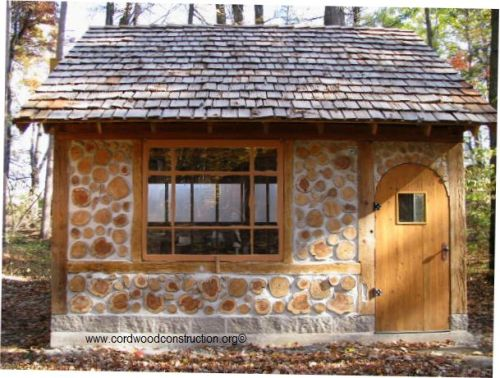 Tom and Mary Barchacky built a beautiful cordwood shed in Green Bay, Wisconsin.